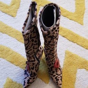 Leopard print boots by L'Autre Chose